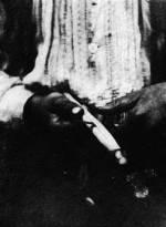55. Kukoricahegedű-készítés, Nagydobrony (Ung megye). Dincsér Oszkár felvétele, 1939 (Néprajzi Múzeum, Budapest)