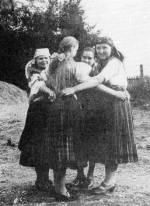 59. Karikázó, Ipolyszécsényke (Hont megye). Manga János felvétele, 1937 (NKCs Archívuma)