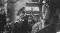 Horthy Miklós az Országház előtt. 1919. november 16.
